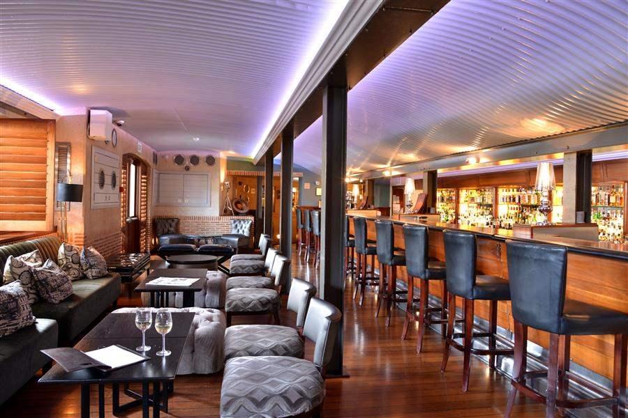 Cape Grace Hotel Bar Area