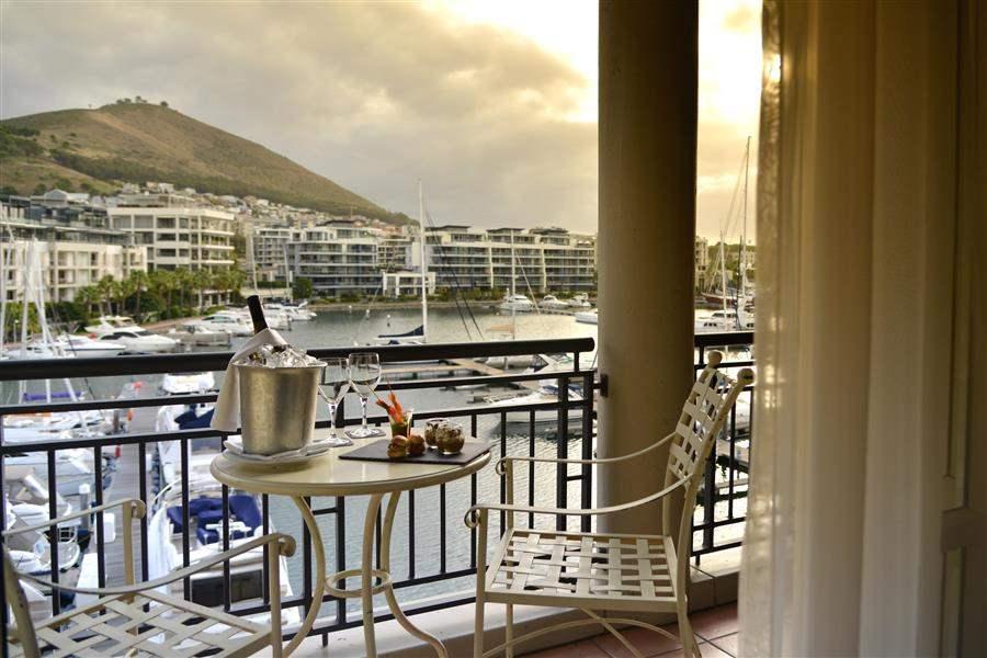 Cape Grace Hotel Balcony Dining