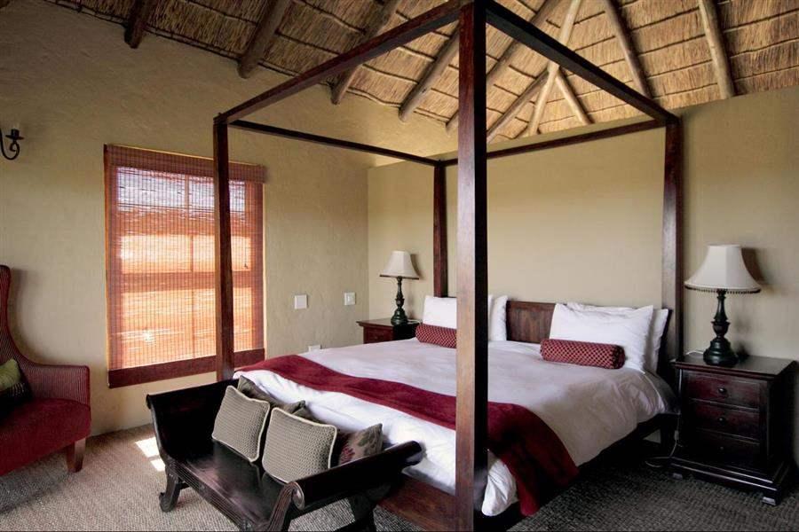 Amakhala Hlosi Game Lodge Bedroom