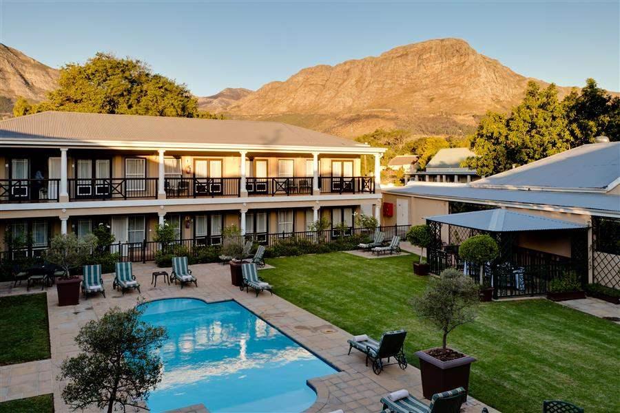 Protea Hotel Francshhoek Exterior Pool Mountain