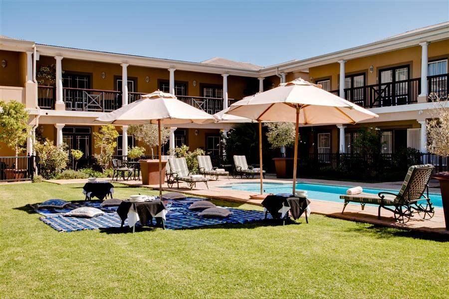 Protea Hotel Francshhoek Pool Picnic