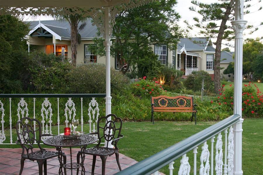 La Plume Guesthouse Exterior Gardens