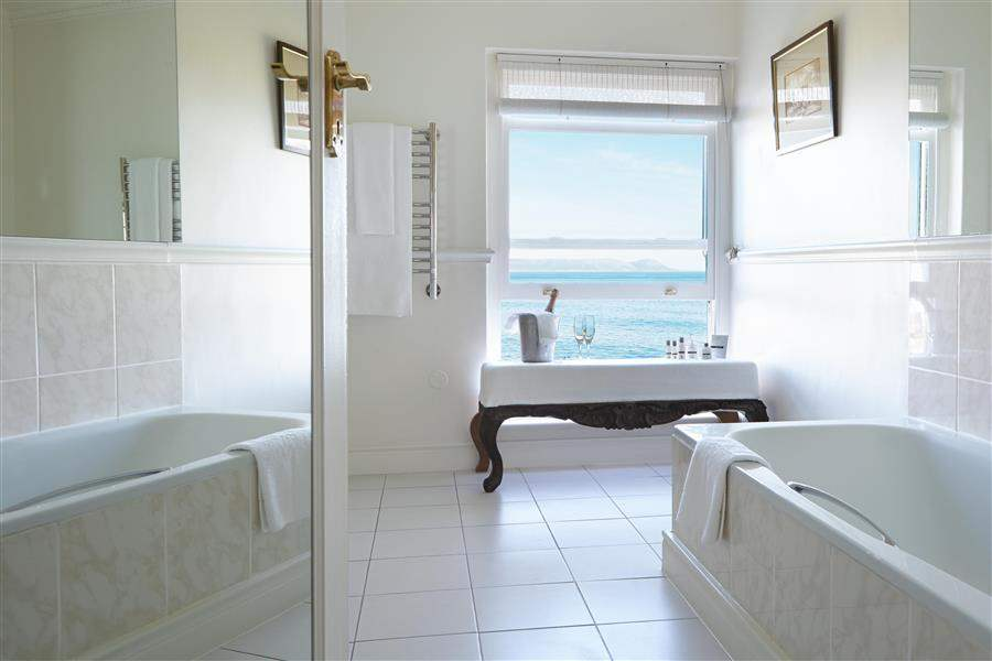 Marine Hermanus Bathroom