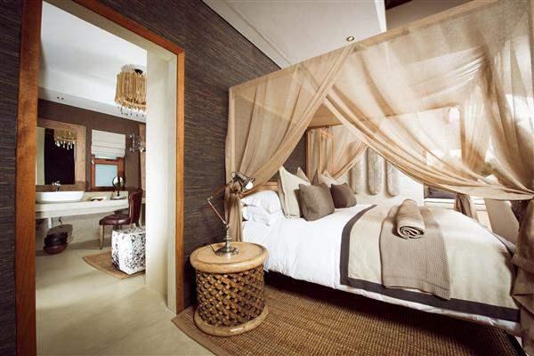 LuxuryVillaBedroom