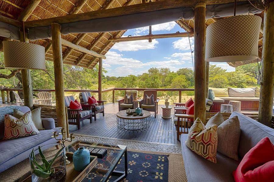 Thornybush Game Lodge Sitting Area