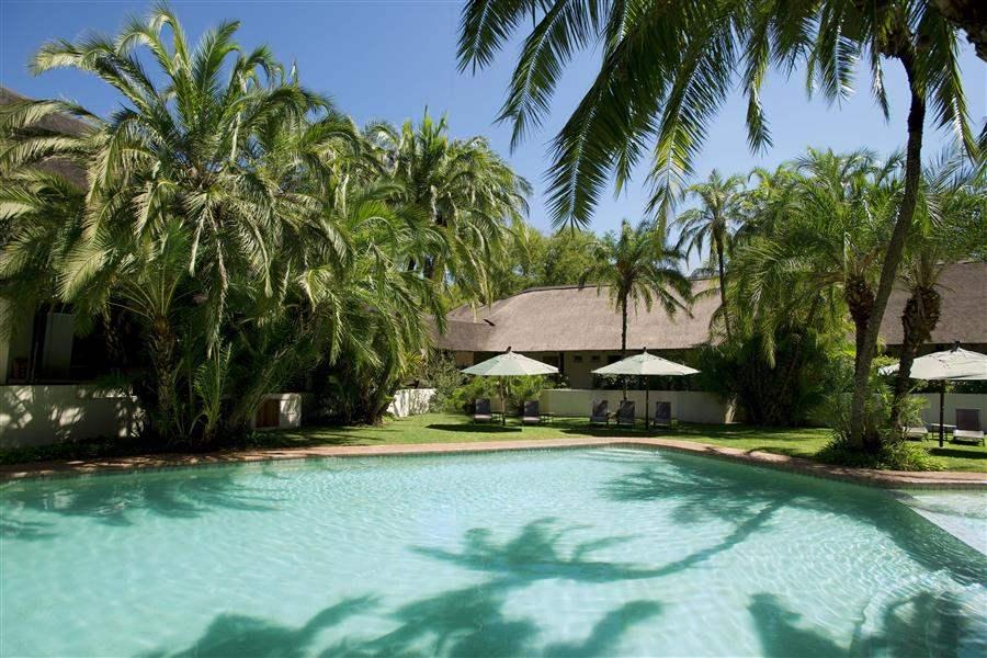 Kwa Maritane Bush Lodge Swimming Pool Day