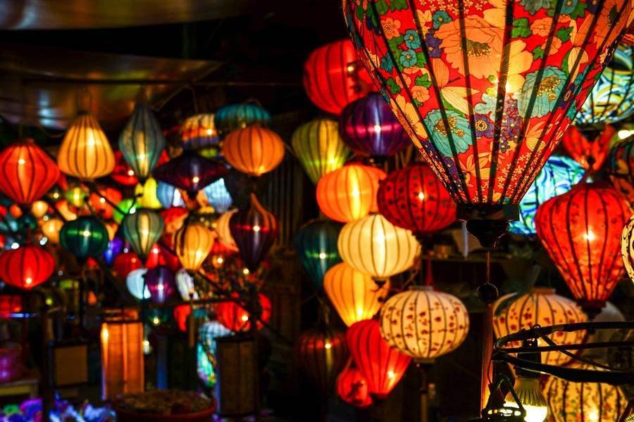 Vietnam_Hoi An Bright Lanterns (1)
