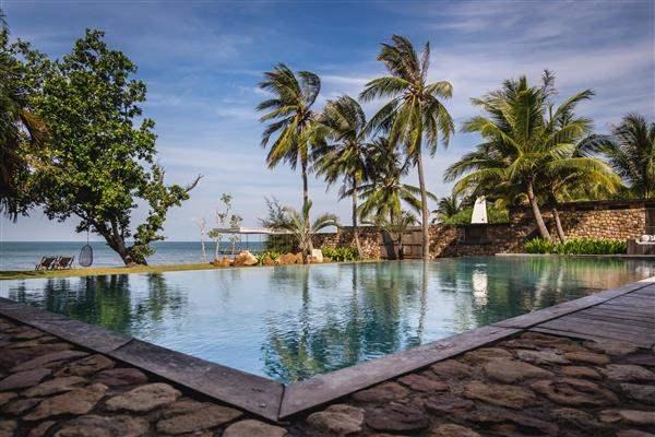 Cambodia_Kep_KnaiBangChattSwimming_pool (1)