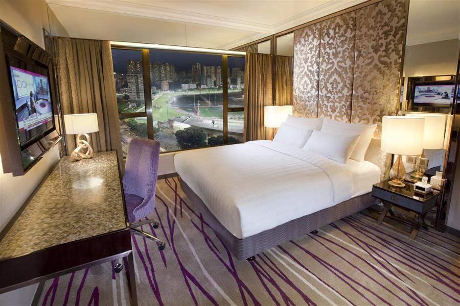 Cosmopolitan Hotel Grand Deluxe Room