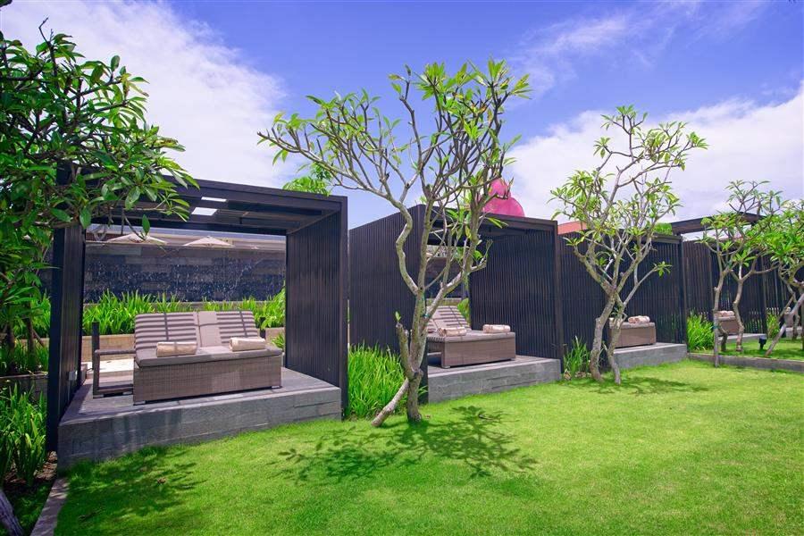 Fairmont Sanur Beach Bali Garden Loungers