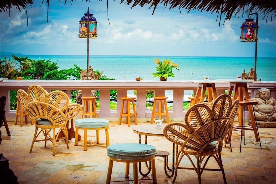 RestaurantBalcony (1)