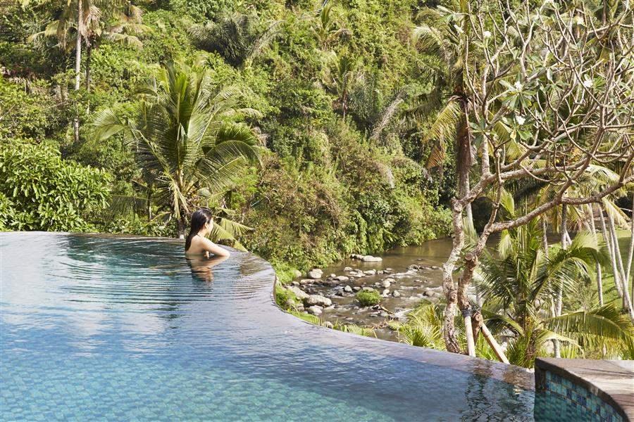 Mandapa Swimming Pool