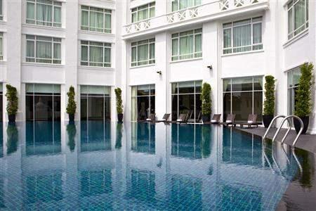 Majestic Hotel Kuala Lumpur Pool Courtyard