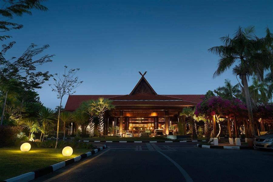 Meritus Pelangi Beach Resort and Spa Langkawi Exterior Night