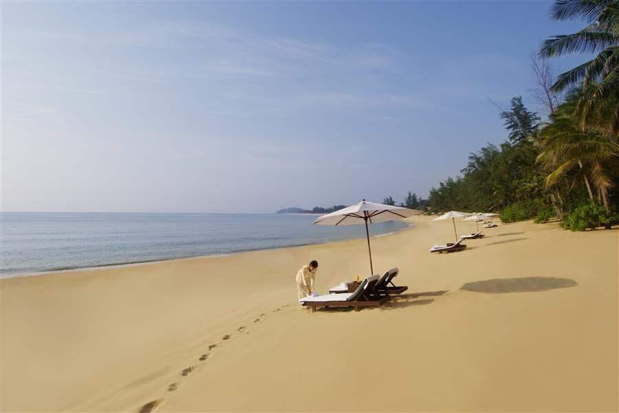 Tanjong Jara Resort Beach Footprints