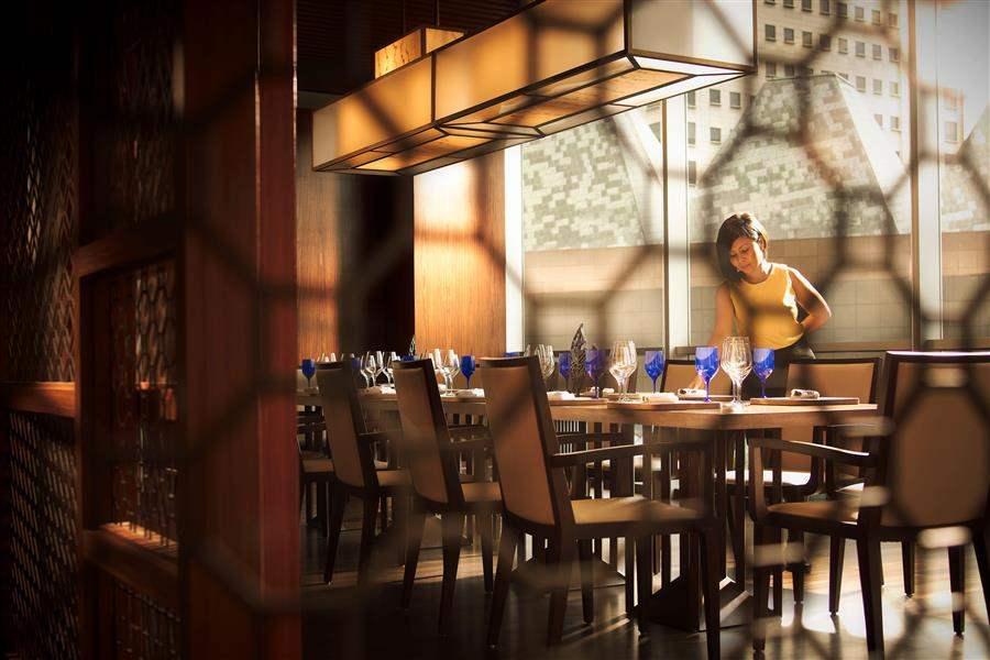 Pan Pacific Singapore Restaurant Table