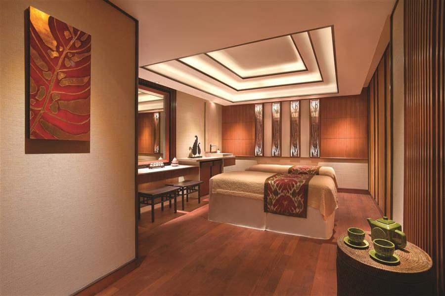 Shangrila Hotel Singapore Spa Room