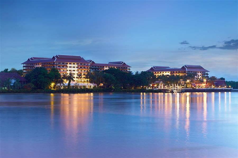 Anantara Bangkok Riverside Resort Spa Hotel Exterior Night