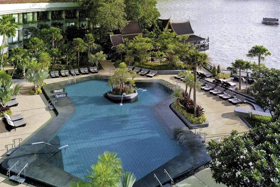 Shangri La Hotel Bangkok Swimming Pool Aerial