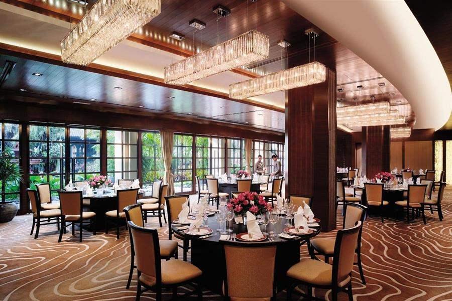 Shangri La Hotel Bangkok Indoor Dining