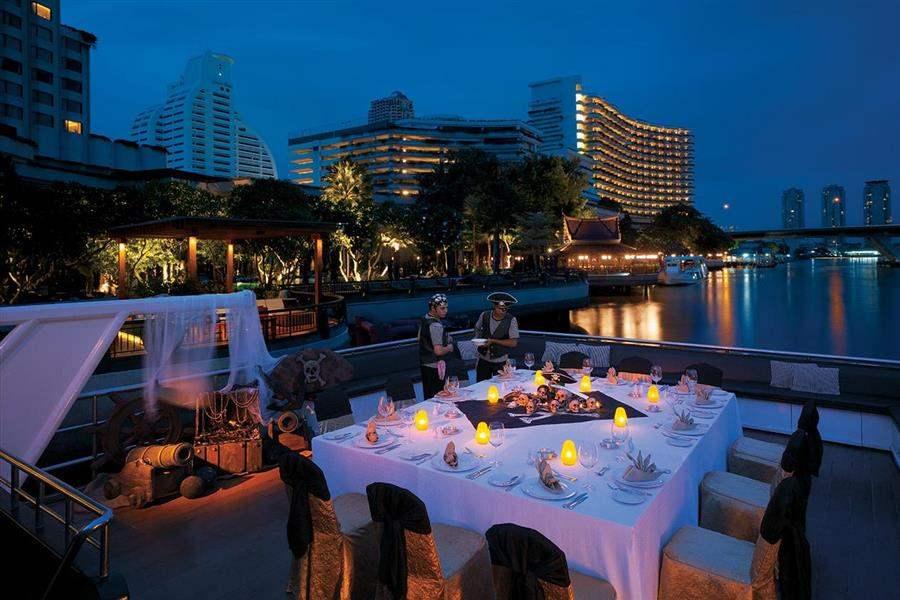 Shangri La Hotel Bangkok Restaurant Terrace