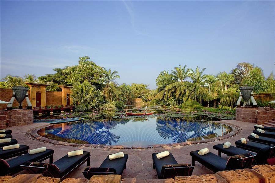 Anantara Hua Hin Resort Swimming Pool