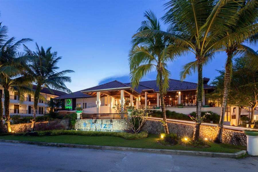 The Briza Beach Resort Exterior Night