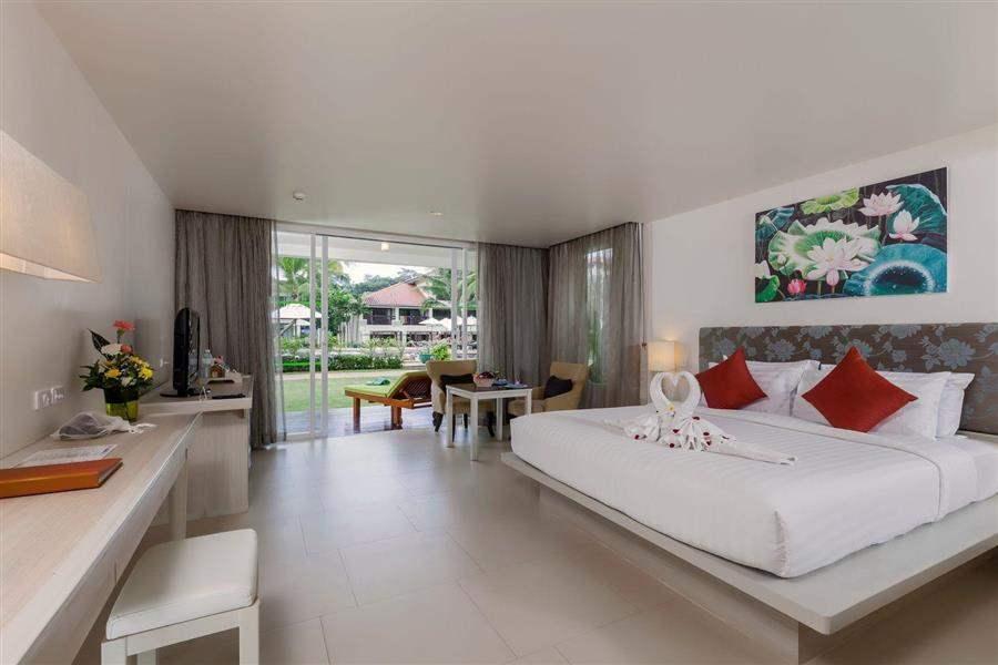 The Briza Beach Resort Grand Deluxe Garden Room