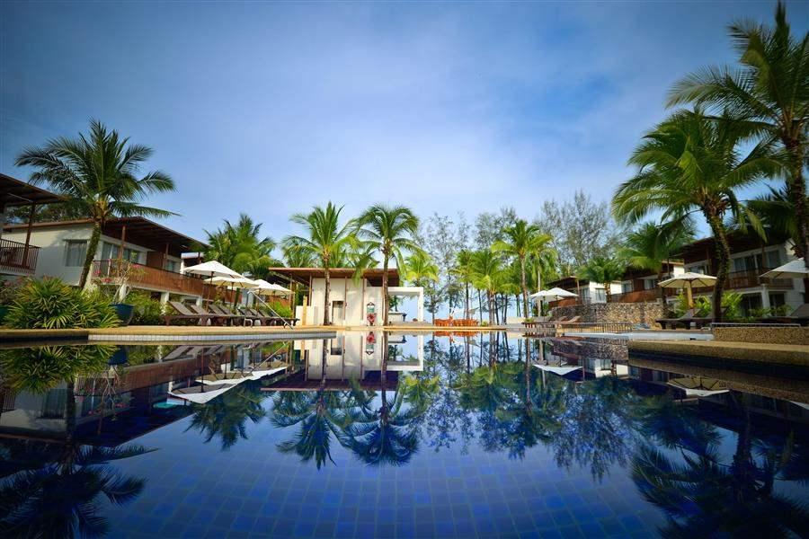 The Briza Beach Resort Swimming Pool