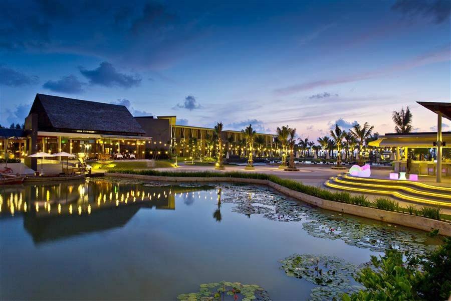 ResortByNight