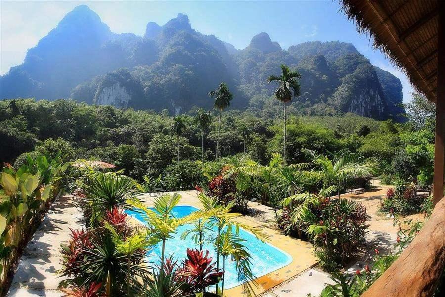 Elephant Hills Pool