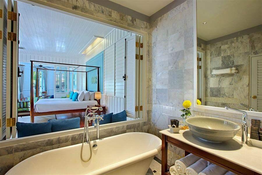 Manathai Koh Samui Lamai Suite Bathroom