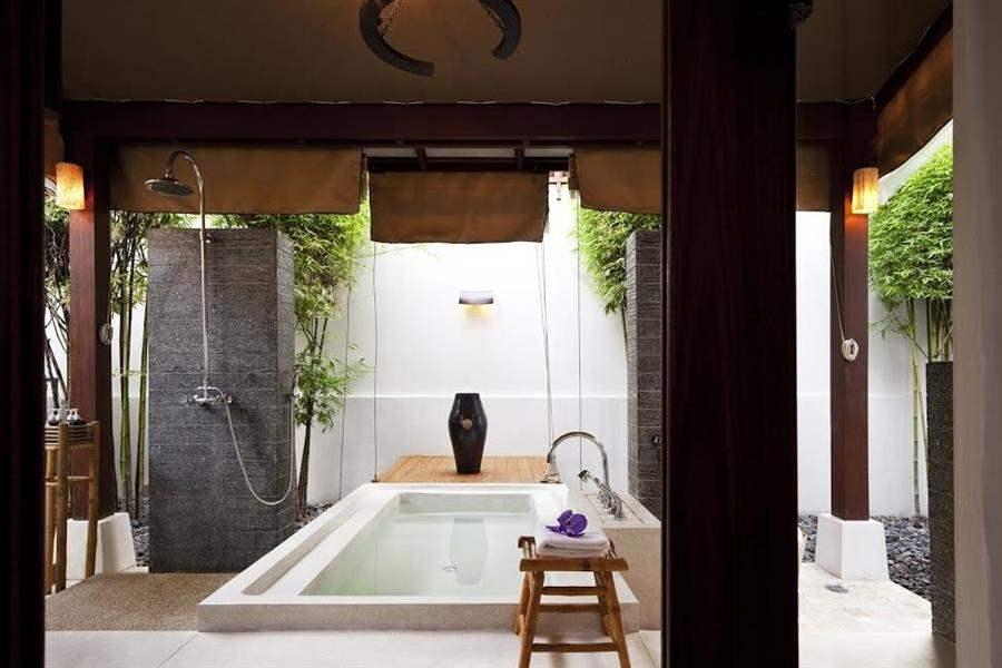 S A L A Samui Outdoor Bath