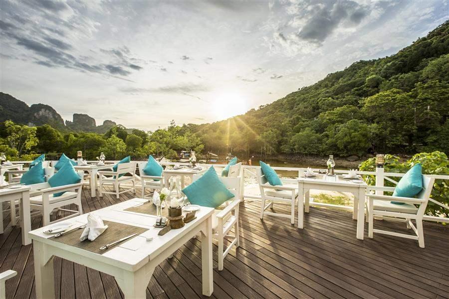 Phi Phi Island Village Beach Resort Coconut Restaurant