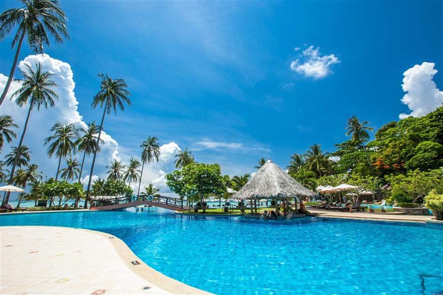Phi Phi Island Village Beach Resort Pool Swimup Bar