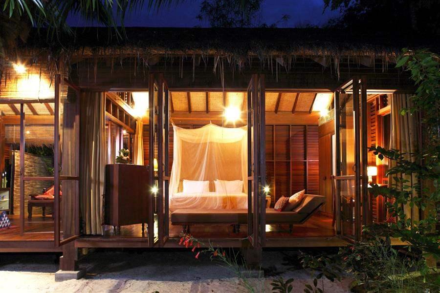 Zeavola Resort Garen Suite Bedroom