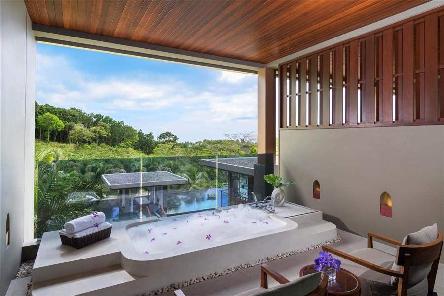 Avista Hideaway Resort  and Spa Jacuzzi Suite