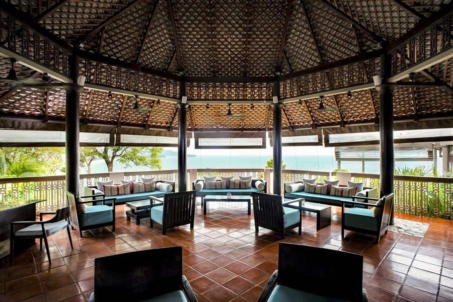 Centara Villas Lobby