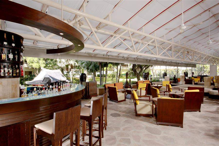 Hilton Phuket Arcadia Resort and Spa Bar