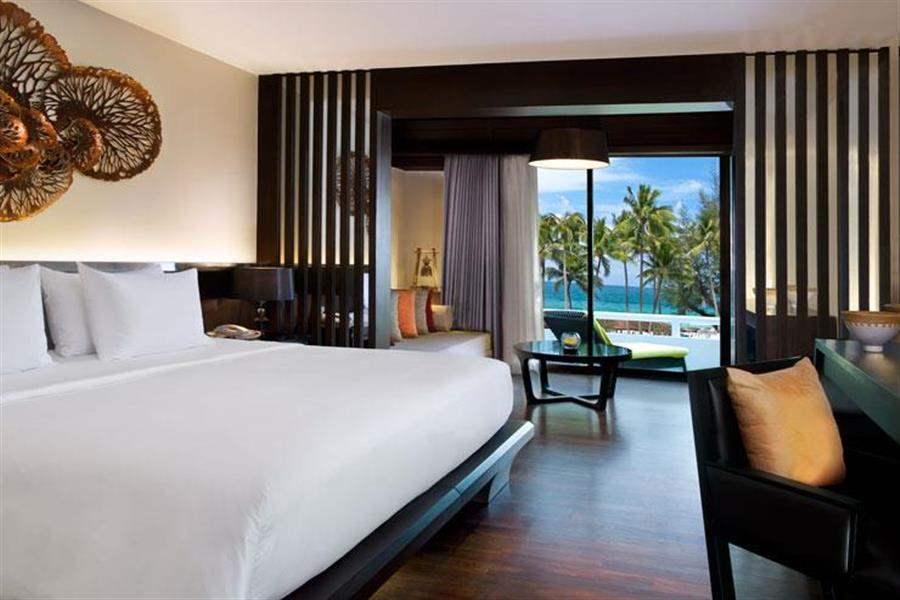 Le Meridien Beach Resort Phuket Double Room