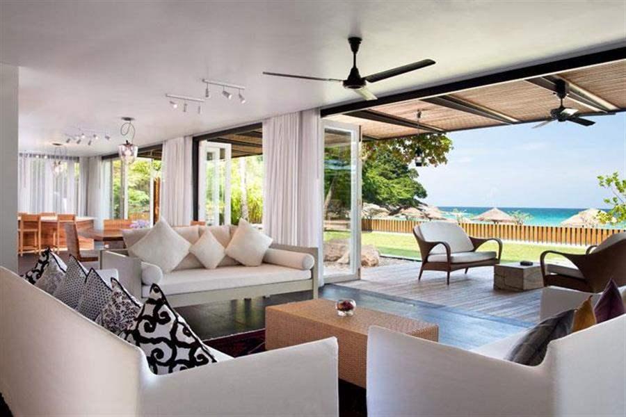 Le Meridien Beach Resort Phuket Suite Lounge
