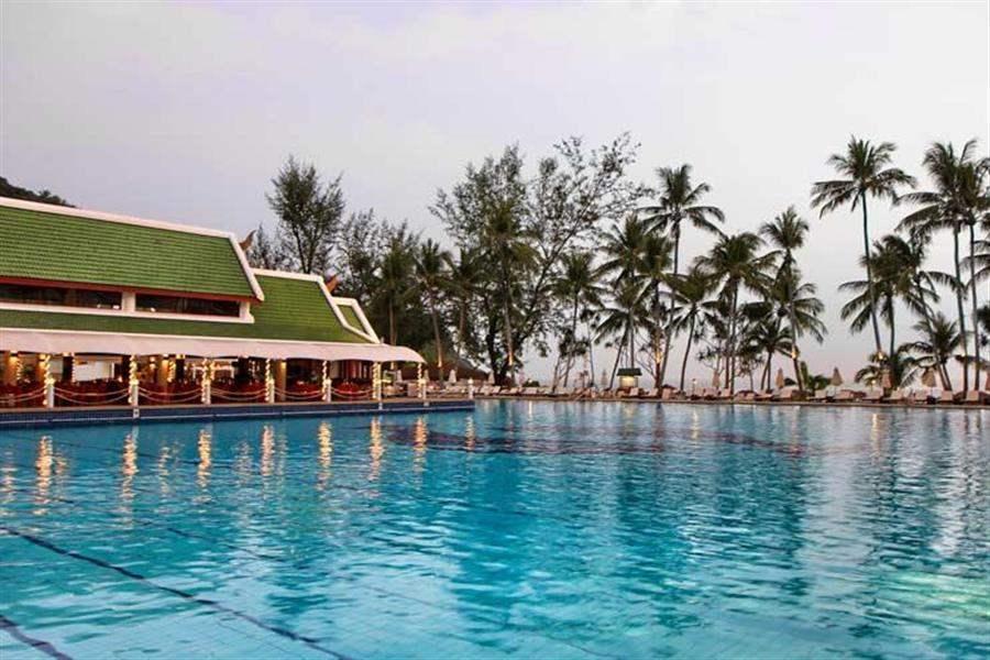Le Meridien Beach Resort Phuket Swimmingpool