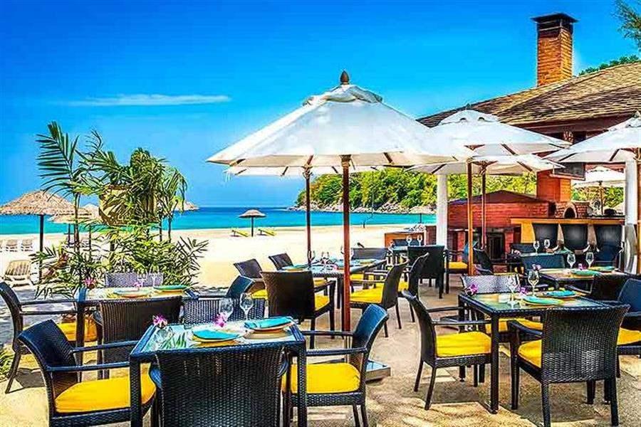 Le Meridien Beach Resort Phuket Beach Bar