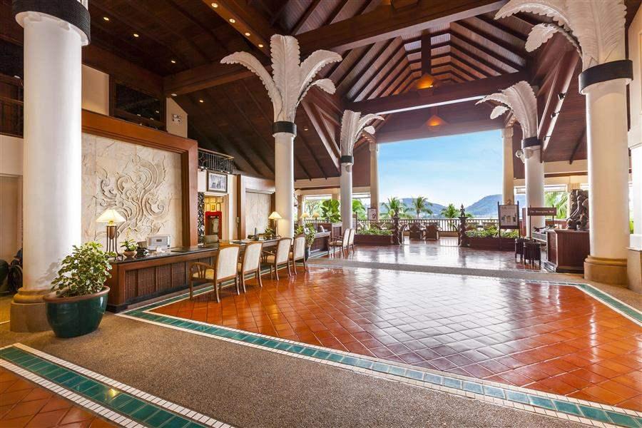 Novotel Phuket Karon Beach Resort and Spa Lobby