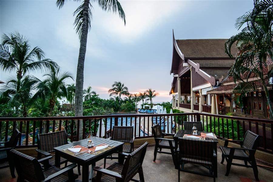 Novotel Phuket Karon Beach Resort and Spa Rebiang Pool View
