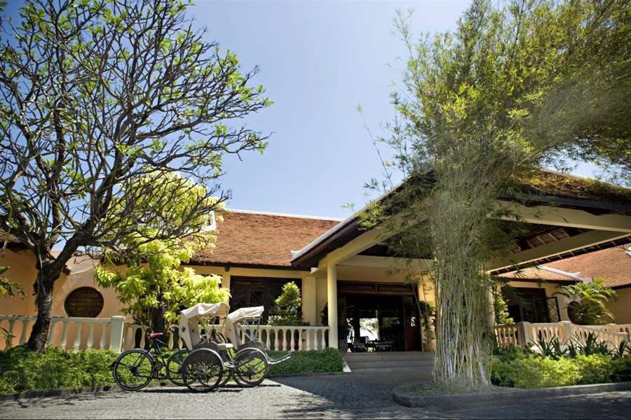 Evason Ana Mandara Main Entrance