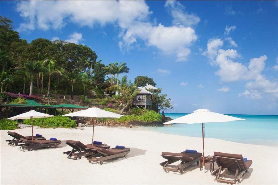 Cocos Hotel Beach