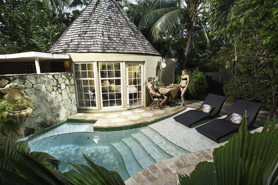 HoneymoonRoomPool