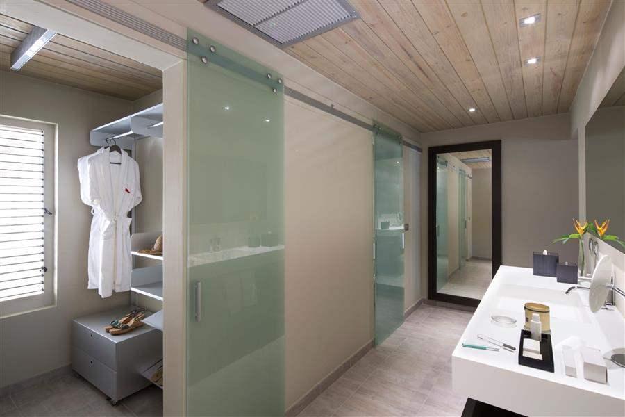WaterfrontBathroom