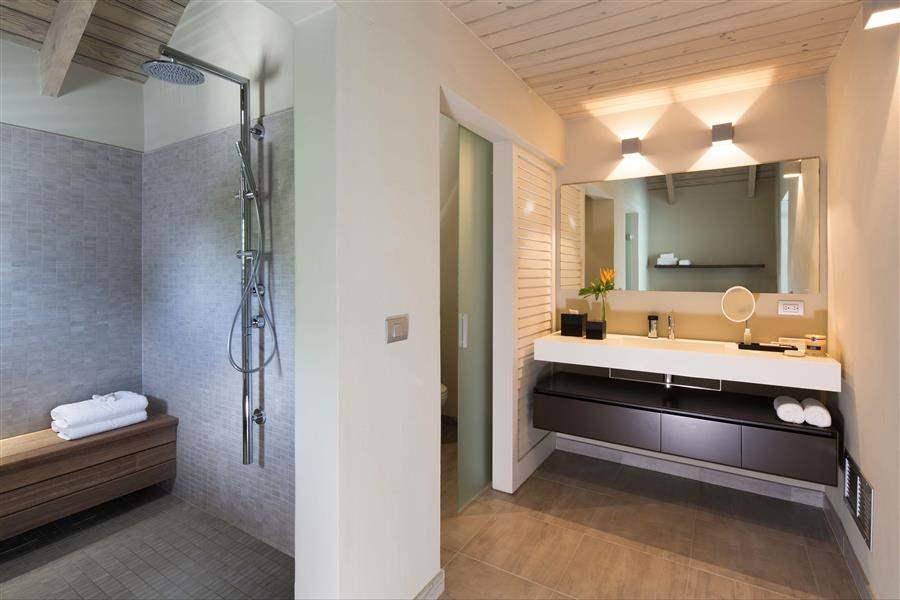 SuiteBathroom